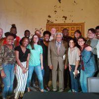 Memphis Honors Colloquium: Group picture with activist Rev. James Lawson, Jr.